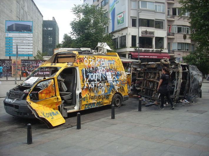 Taksim_Gezi_Park_protests_Damaged_NTV_broadcast_van